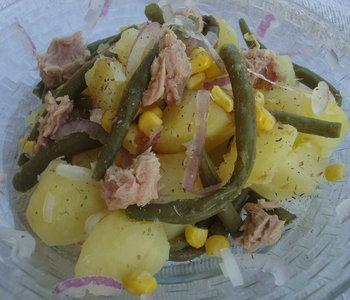 Insalata di patate,fagiolini,tonno e cipolla di Tropea