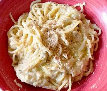 spaghetti con crema di cavolfiore e nocciole bimby