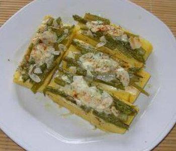 asparagi gratinati alle mandorle su crostini di polenta