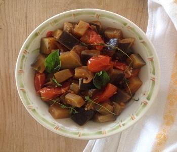 insalata mediterranea di melanzane