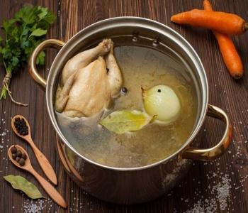 brodo di pollo (gallina)
