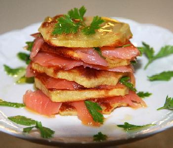 millefoglie patate e salmone affumicato