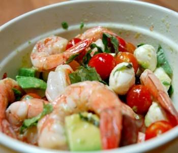 insalata di mozzarella e gamberi
