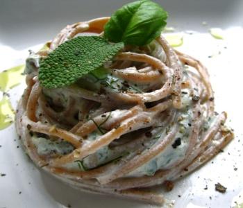 spaghetti in crema aromatica
