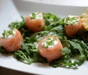 salmone con caprino ed erba cipollina