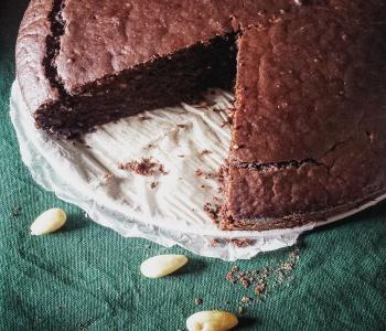 torta di mandorle al cacao
