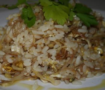 riso saltato con germogli di soia